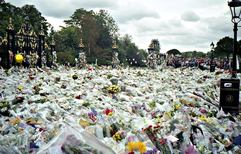 800px-Flowers_for_Princess_Diana's_Funeral